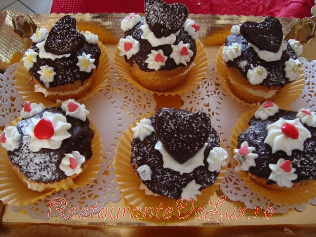 Cupcake_cu_glazura_de_ciocolata_11