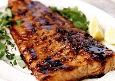 File de peşte la cuptor cu smantană sau mujdei de usturoi