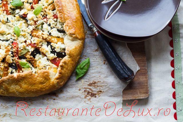 Pizza cu feta si porumb