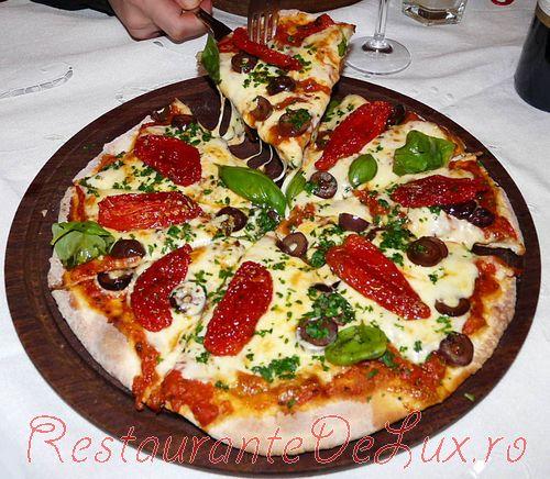 Pizza_delicioasa_35