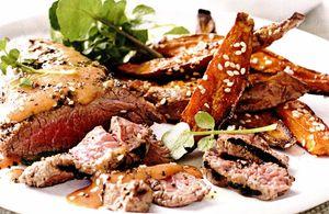 Antricot de vită cu cartofi cu rozmarin si usturoi