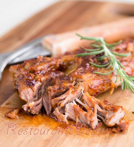 Coaste de porc in sos barbeque