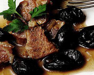 Prune cu carne de vită