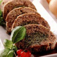 Rulada din carne tocata cu dovlecel si iaurt