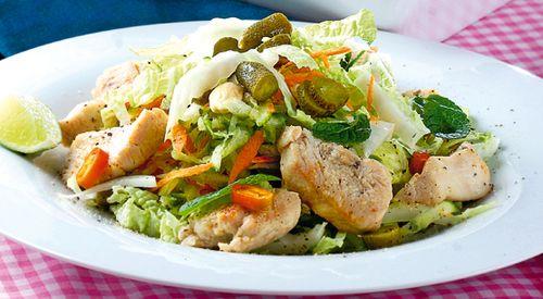 Salata cu piept de curcan si porumb
