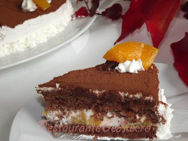 Tort_de_ciocolata_cu_mascarpone_si_piersici_17