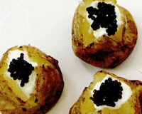 Cartofi_cu_smantana_si_caviar