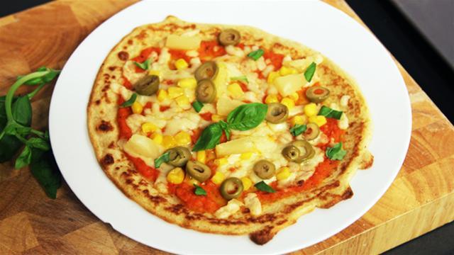 Cum_se_prepara_pizza_cu_blat_de_clatite