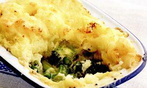 Gratin_de_broccoli_si_cartofi_cu_praz_si_telina