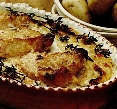 Pui_cu_crema_de_smantana_si_cartofi