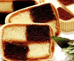 Rulada cu crema caramel bicolora