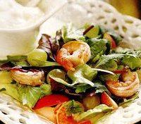 Salata_cu_creveti_si_sos_acrisor