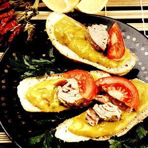 Tartine_cu_ton_si_guacamole