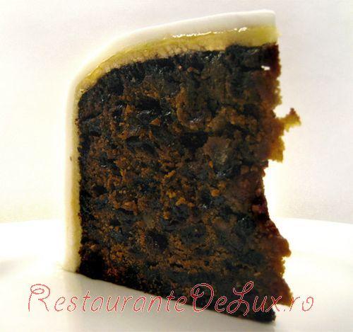 Tort de caise cu martipan