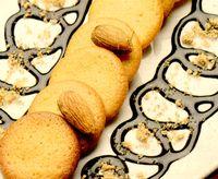Biscuiti_cu_migdale_si_sos