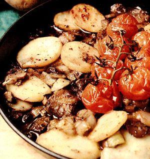 Cartofi_la_cuptor_cu_rosii