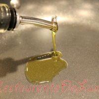Chiftelute aromate cu sos de marar