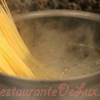 Spaghete cu branza de vaci