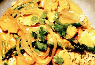 Pui_thailandez_cu_sos_de_curry