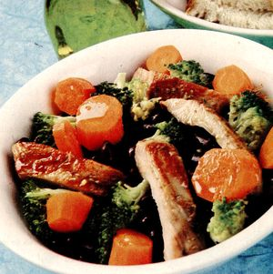 Salata_cu_broccoli_si_pui