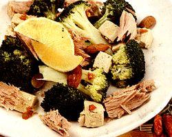 Salata_cu_broccoli_si_ton