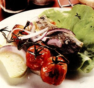 Salata_de_legume_si_peste