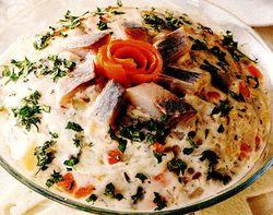 Salata_de_peste_cu_ceapa_rosie_si_maioneza