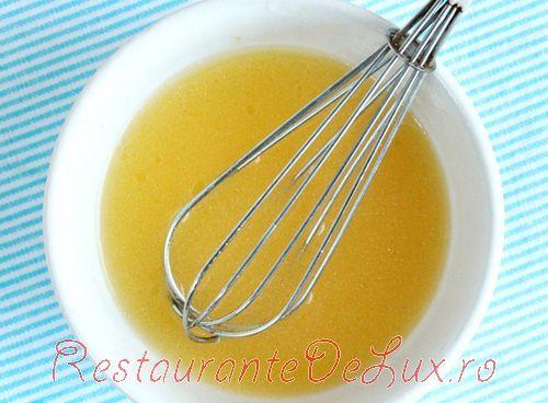 Salata de spanac cu nectarine si vinegreta de citrice