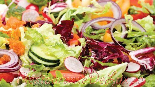 Salate gustoase pentru masa de Paşti