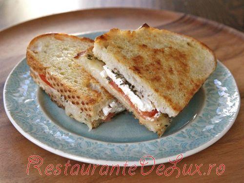 Sandwich_cu_branza_feta_6