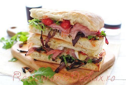 Sandwichuri_cu_ceapa_caramelizata_prosciutto_si_branza_brie_6