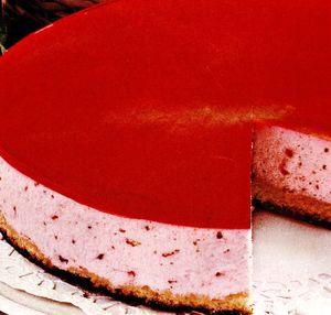 Tort_rosu_de_capsuni