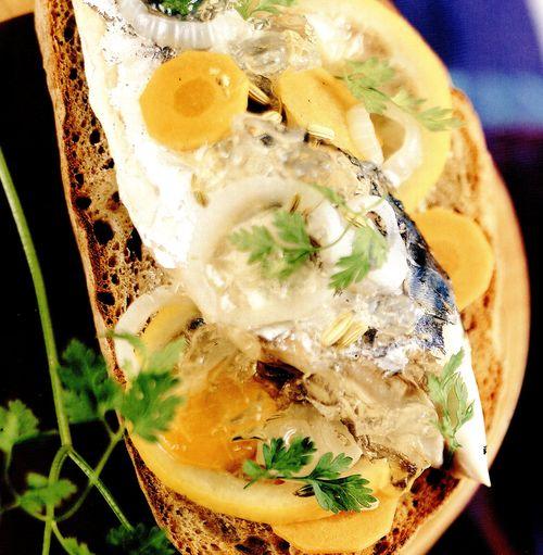 Bruschete_cu_sardine
