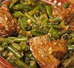 Carne_de_vita_cu_fasole_verde_si_usturoi