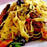 Fettuccine_cu_masline_si_creveti