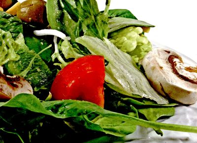 Mix_de_salata_cu_ardei_gras_si_ciuperci