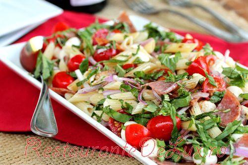 Salata Caprese cu vinegreta de otet balsamic