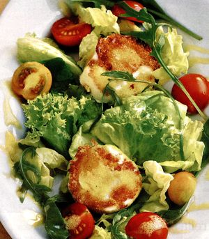 Salata_cu_branza_pane
