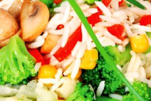Salata_cu_broccoli_si_conopida