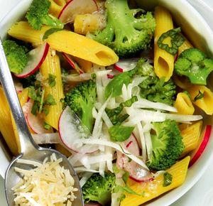 Salata_cu_paste_broccoli_si_busuioc