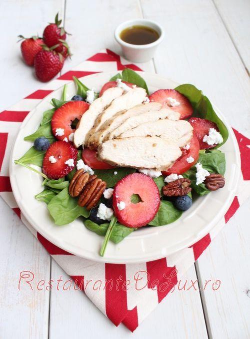 Salata cu spanac, ricotta si capsuni