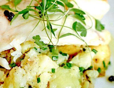 Salata_de_cartofi_cu_pastrav