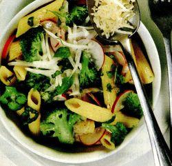 Salata_de_penne_cu_broccoli