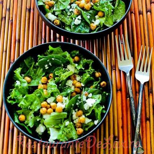 Salata de verdeturi cu naut