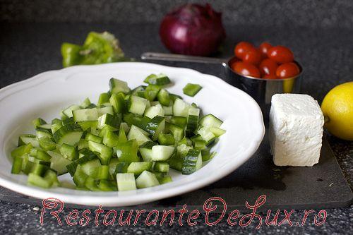 Salata greceasca cu lamaie si oregano