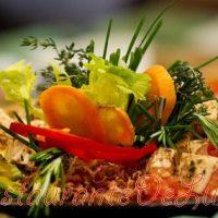 Salată de pui fript cu marar si tarhon
