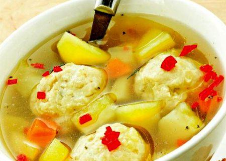 Supa_de_pui_cu_galusti_si_cartofi