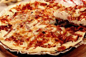 Tarta_cu_ceapa_branza_si_bacon
