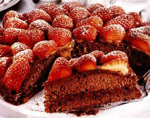 Tort_de_ciocolata_cu_capsuni