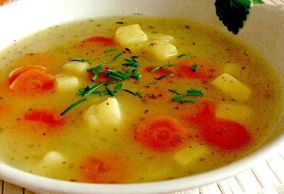 Bors de cartofi cu leustean